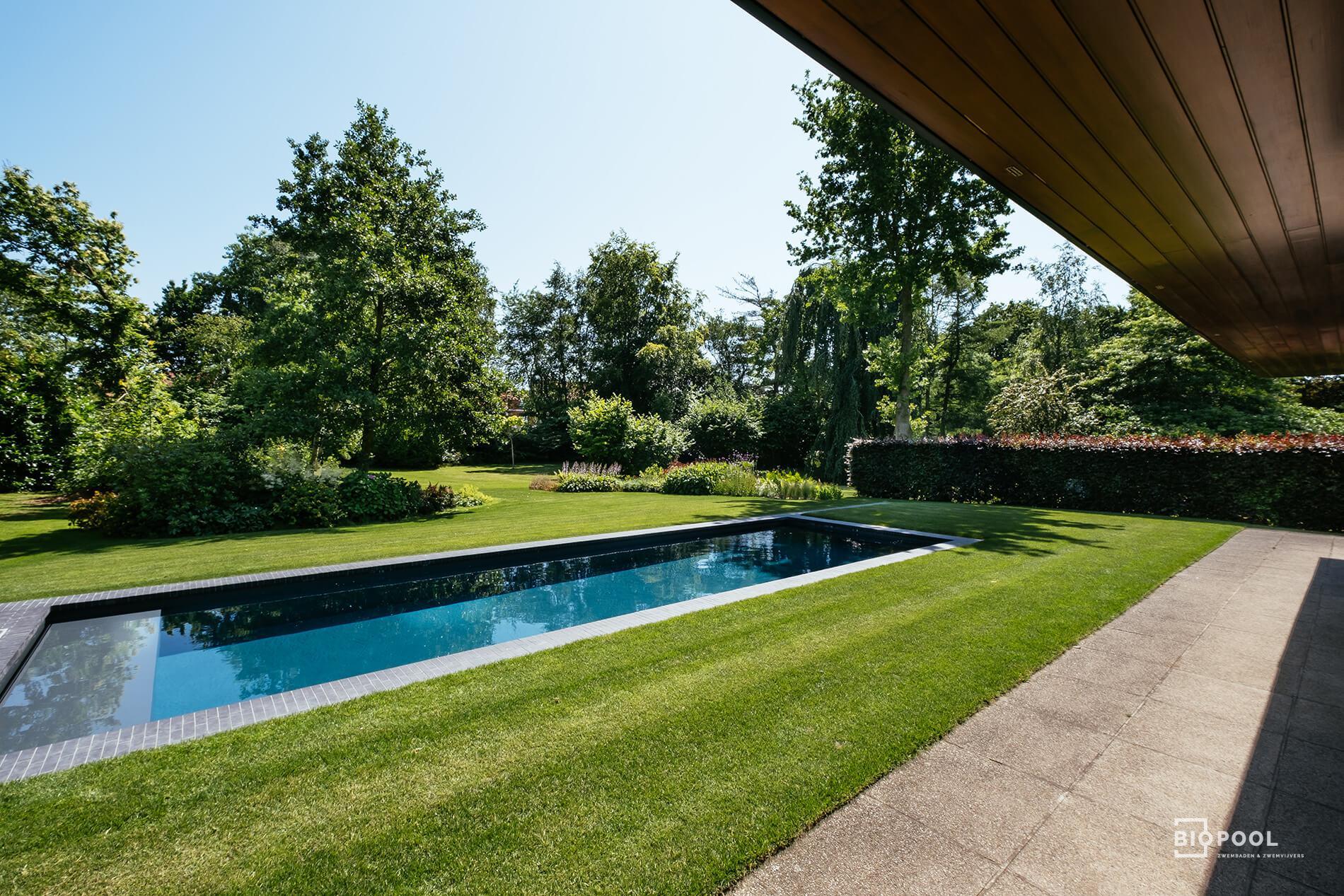 Afbeelding project PPC | Hoogwaterlijnzwembad | omrand met kleiklinkers