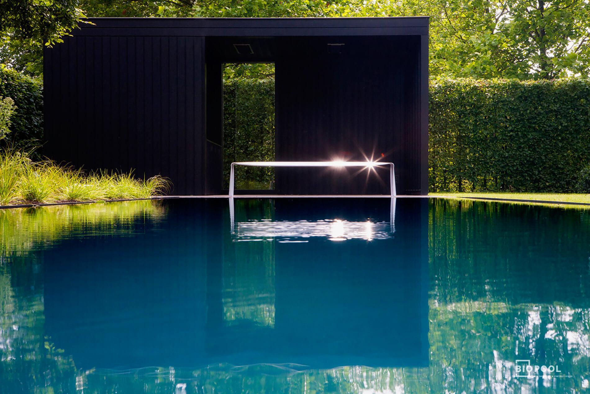 Afbeelding project PPC | spiegel overloop zwembad | grasrand