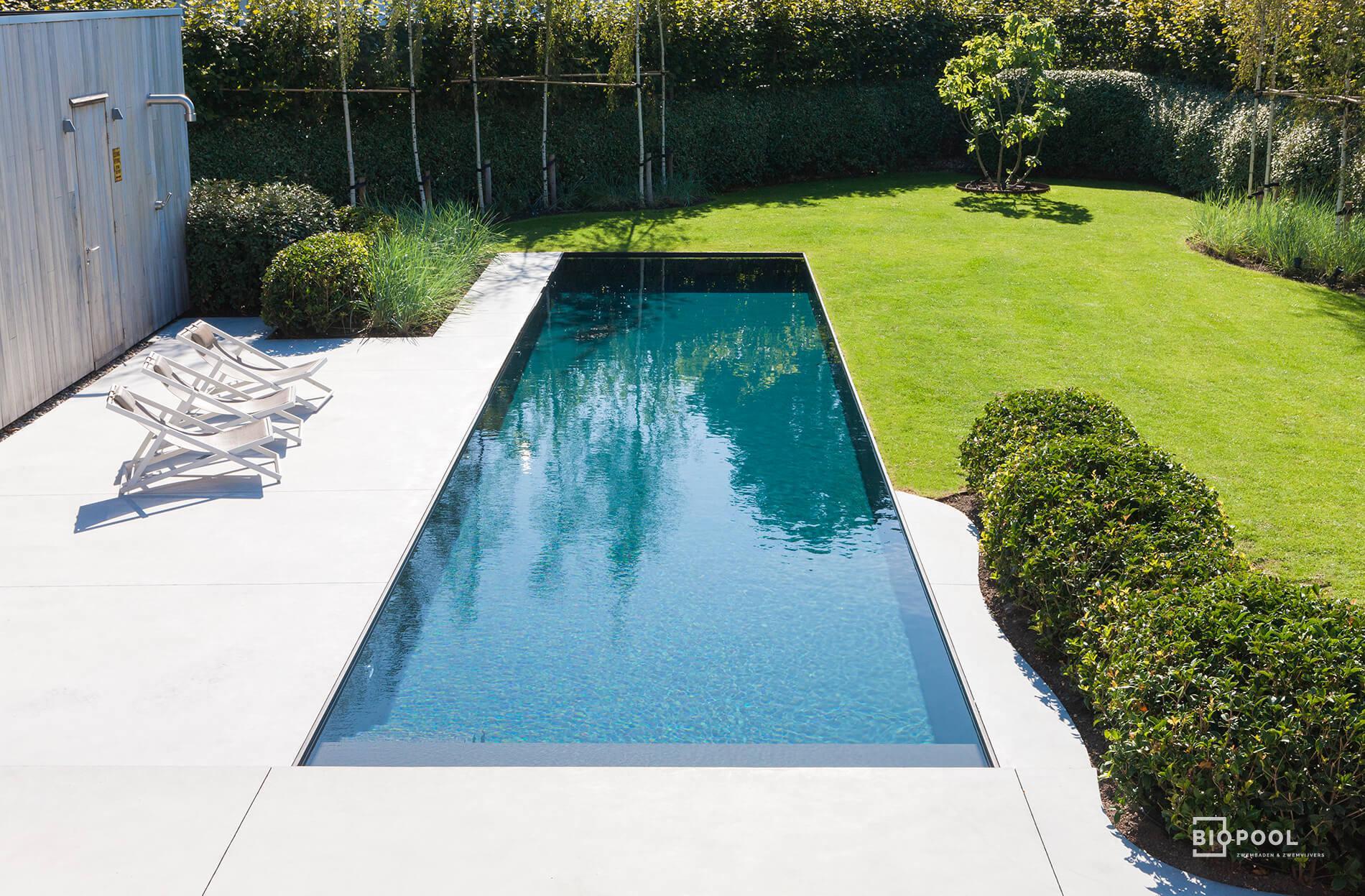 Afbeelding project Grasrand zwembad in hoogwaterlijn