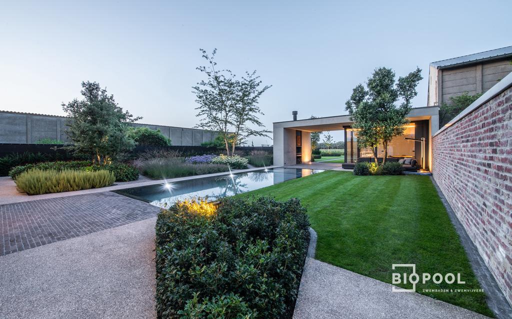 Afbeelding project PPC spiegel overloop zwembad / Gras – Betonrand / Antraciet
