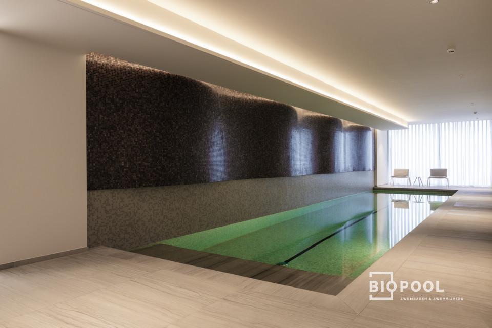 Afbeelding project Binnenzwembad | bouwkundig | high line skimmer zwembad | met zicht op zee