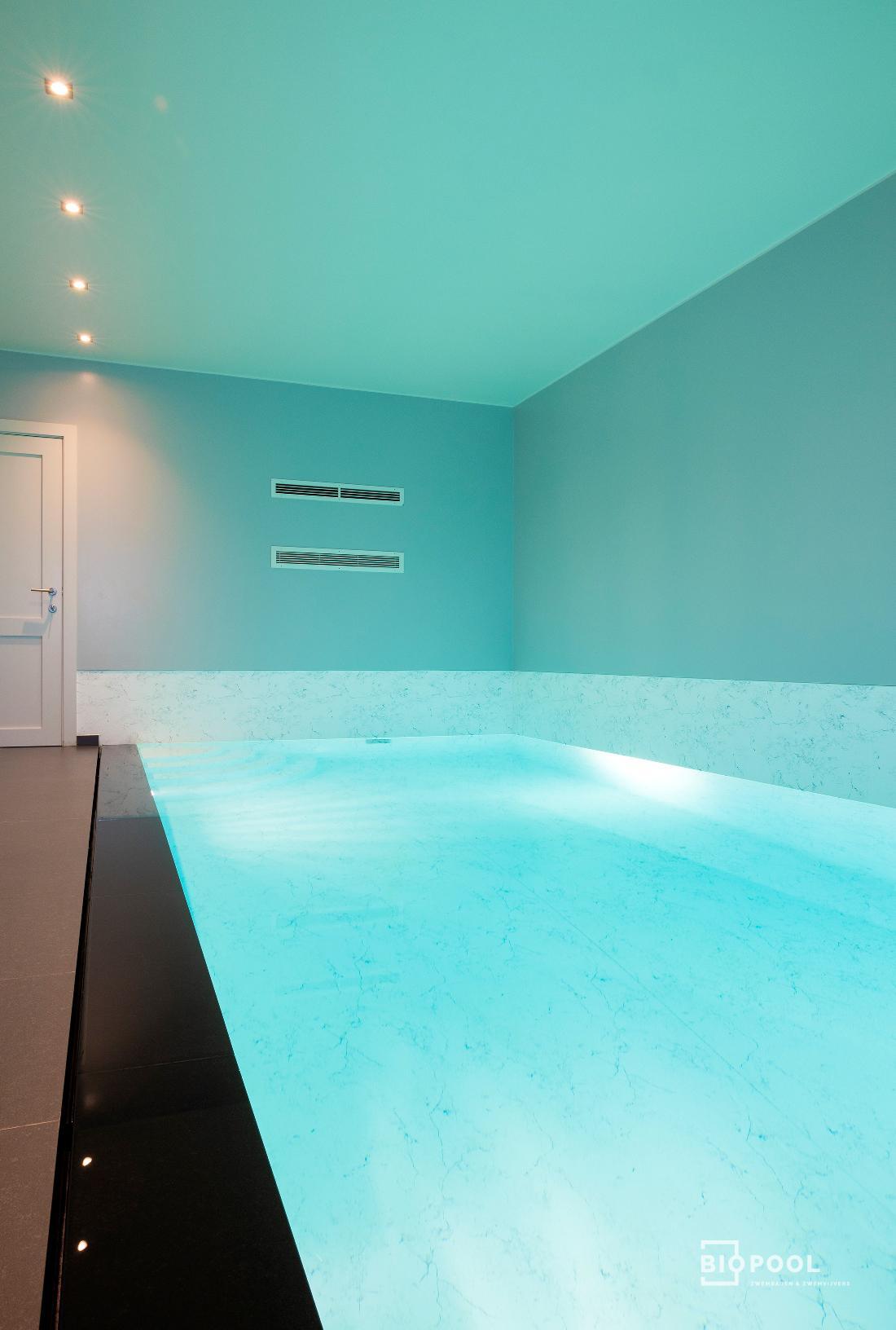 Afbeelding project Bouwkundig | binnenzwembad | tegenstroom | marmeren look